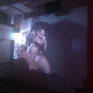 DJ SEKO cleverly did a video set so I could watch BEY while dancing: amazing!